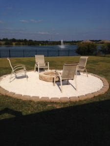 fire pit with pea gravel and pavers