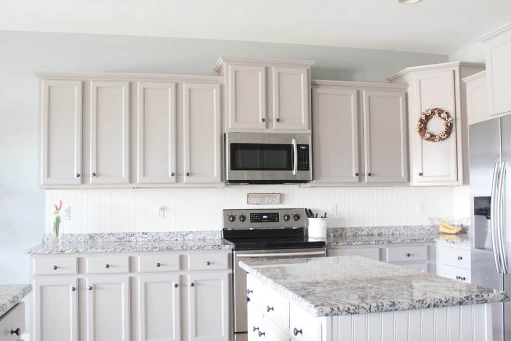 Painting laminate kitchen cabinets without primer