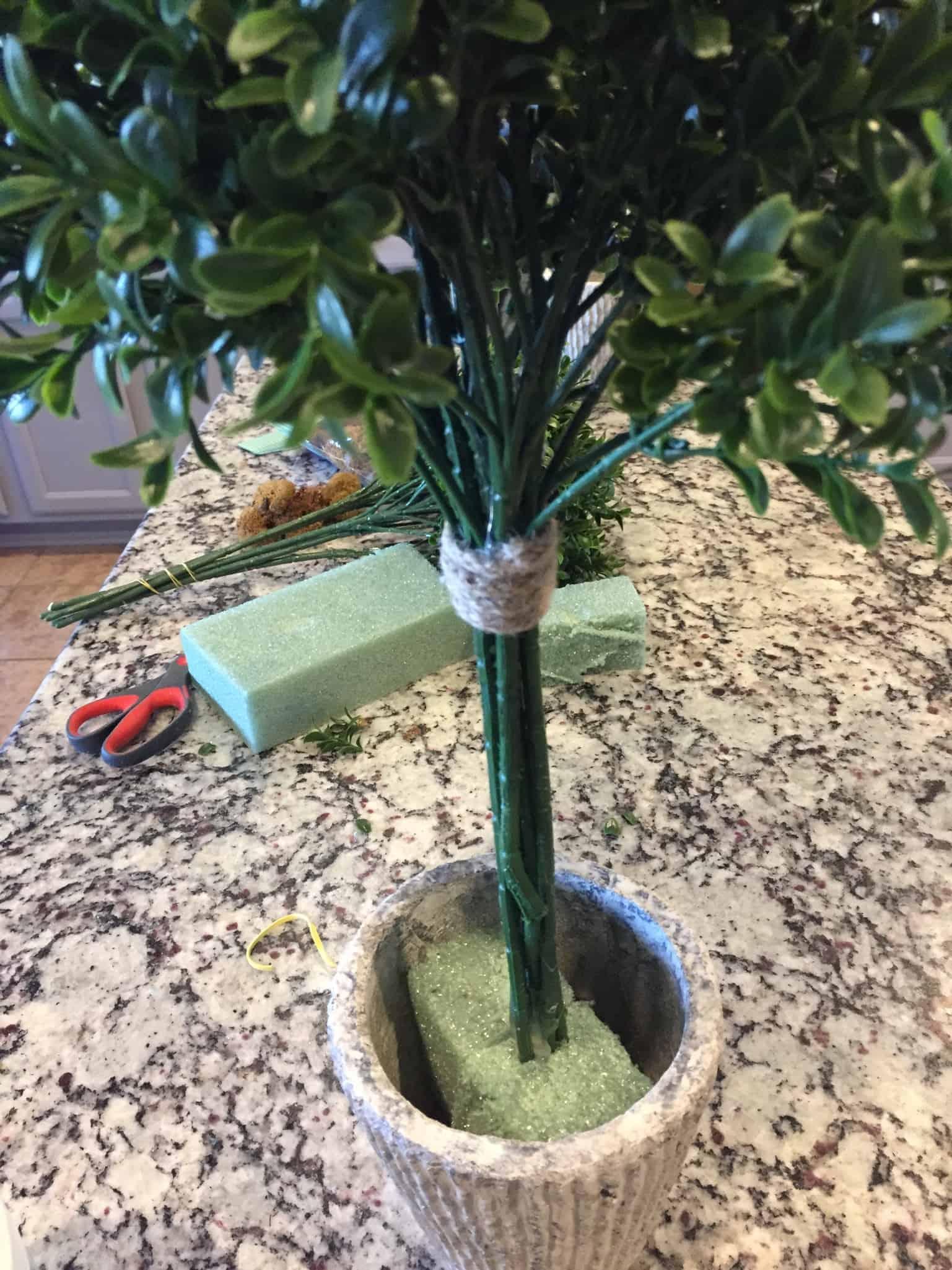 DIY topiary tree