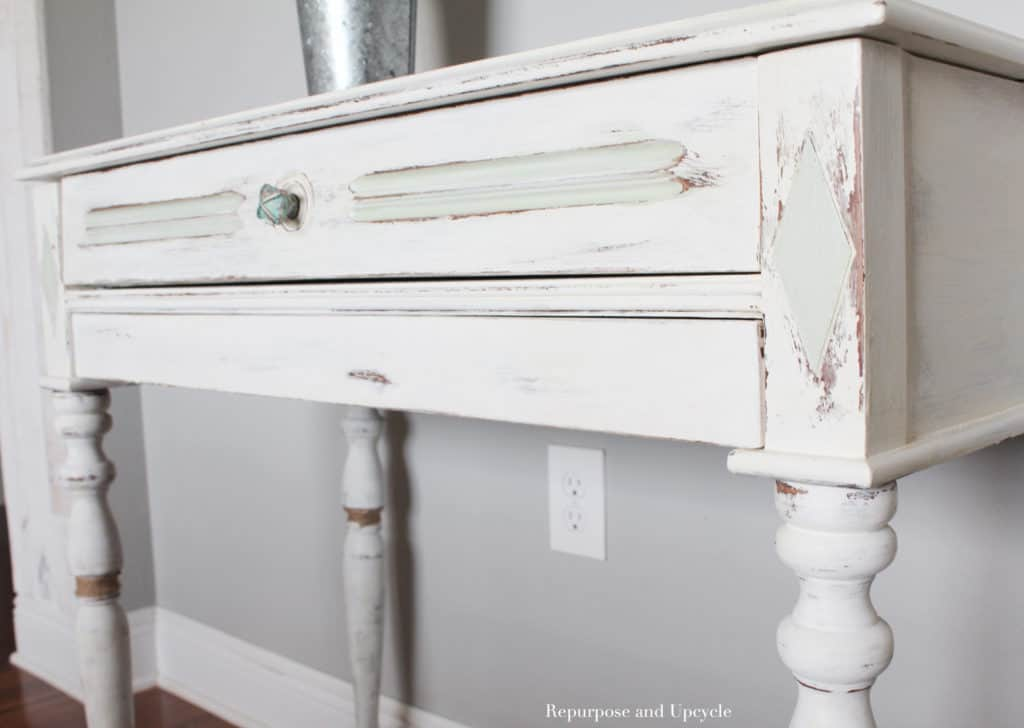 desk makeover with chalk paint for beachy style