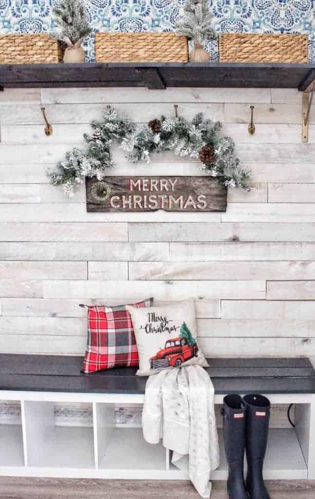 Christmas Coastal Cottage mudroom