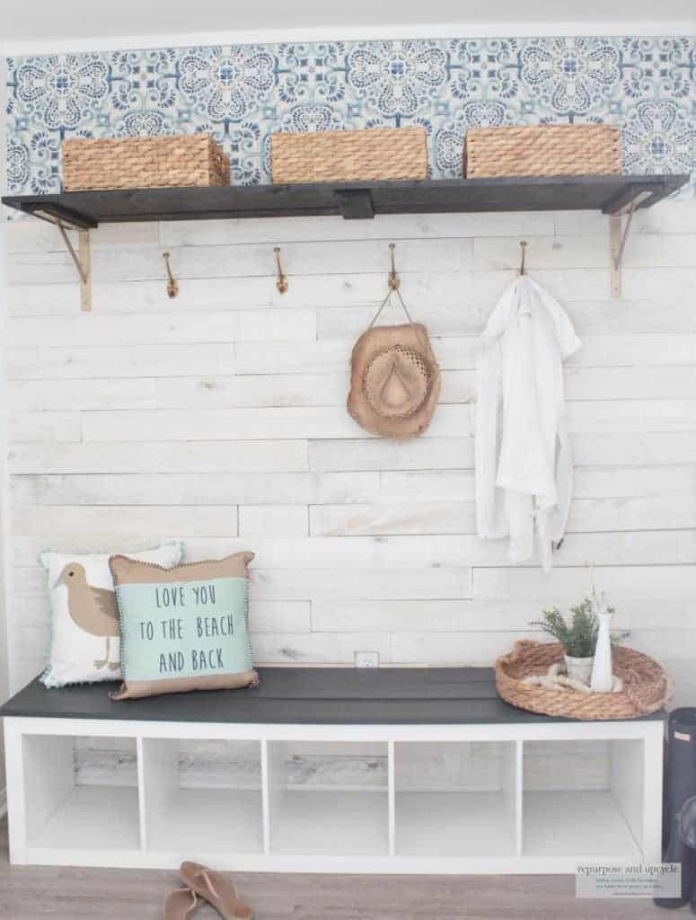 cottage style mudroom