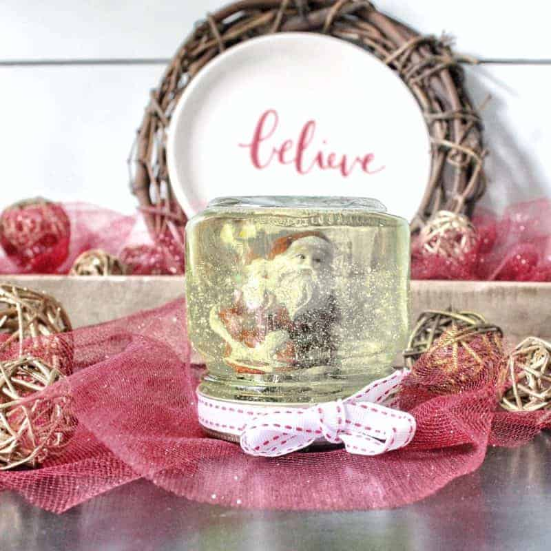 DIY Snow globe from a mason jar