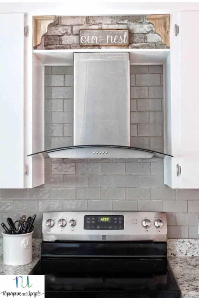 kitchen with wallpaper above range
