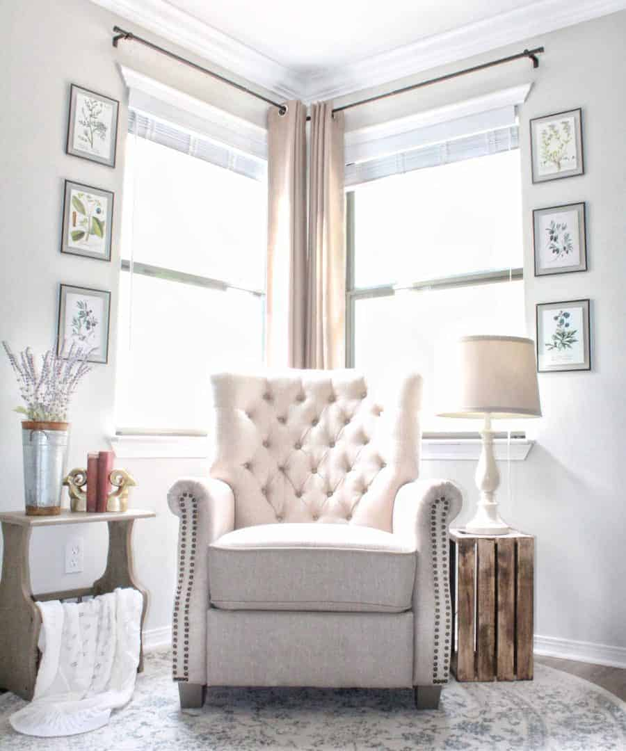 Picture of: Transforming A Room With Corner Curtains And A Corner Curtain Rod Hack