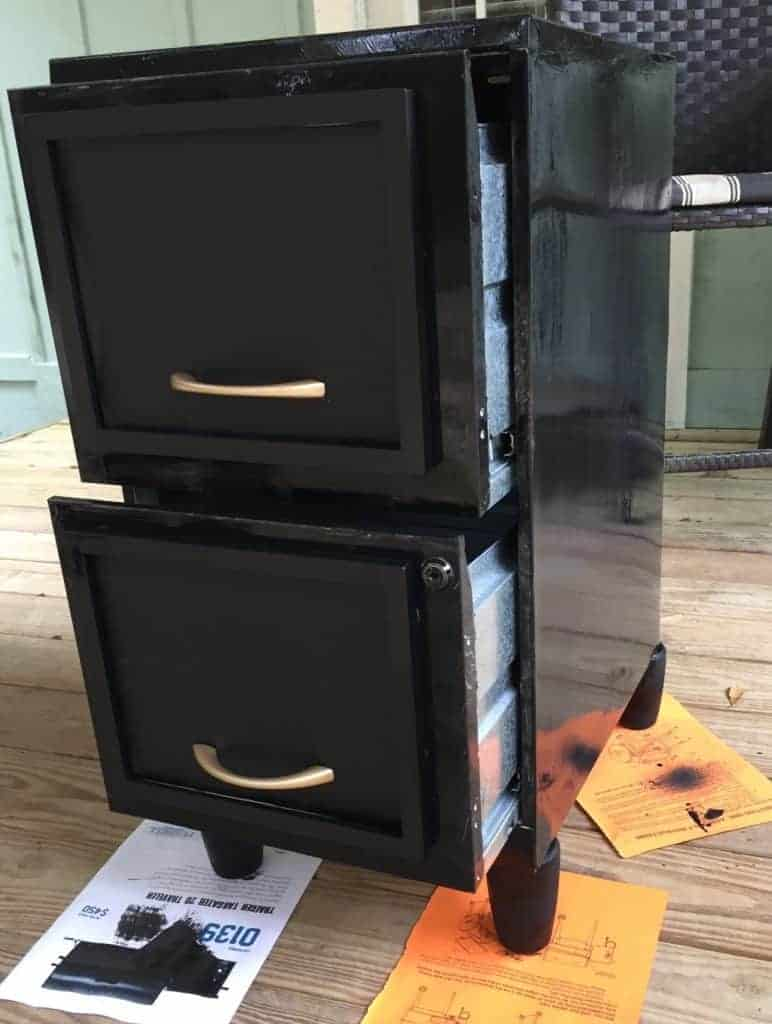 painting filing cabinet with chalkboard paint