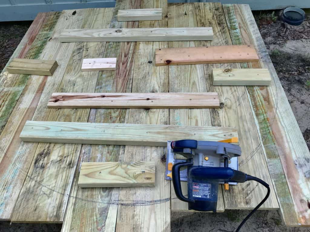 using radial saw to cut table top
