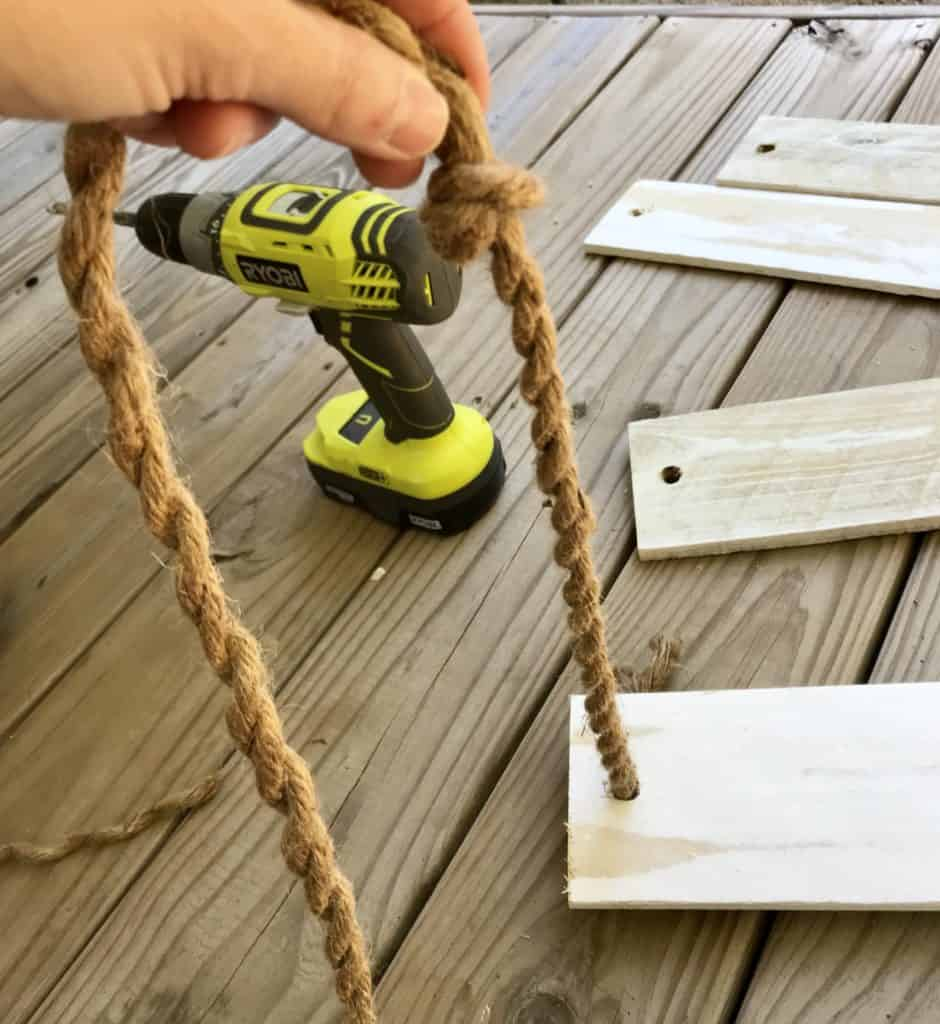 tying knot for rope shelves