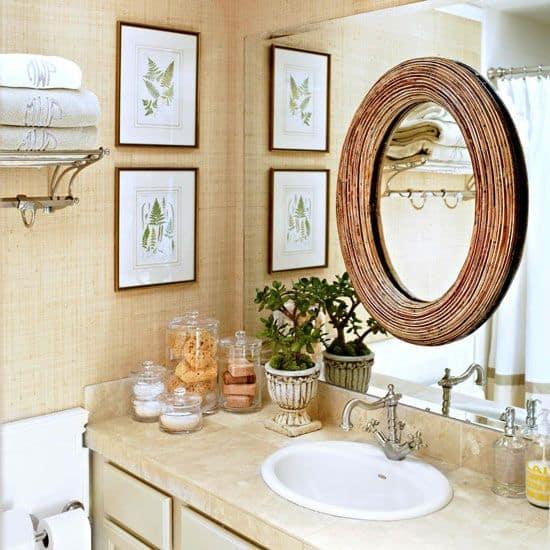 layering bathroom mirrors
