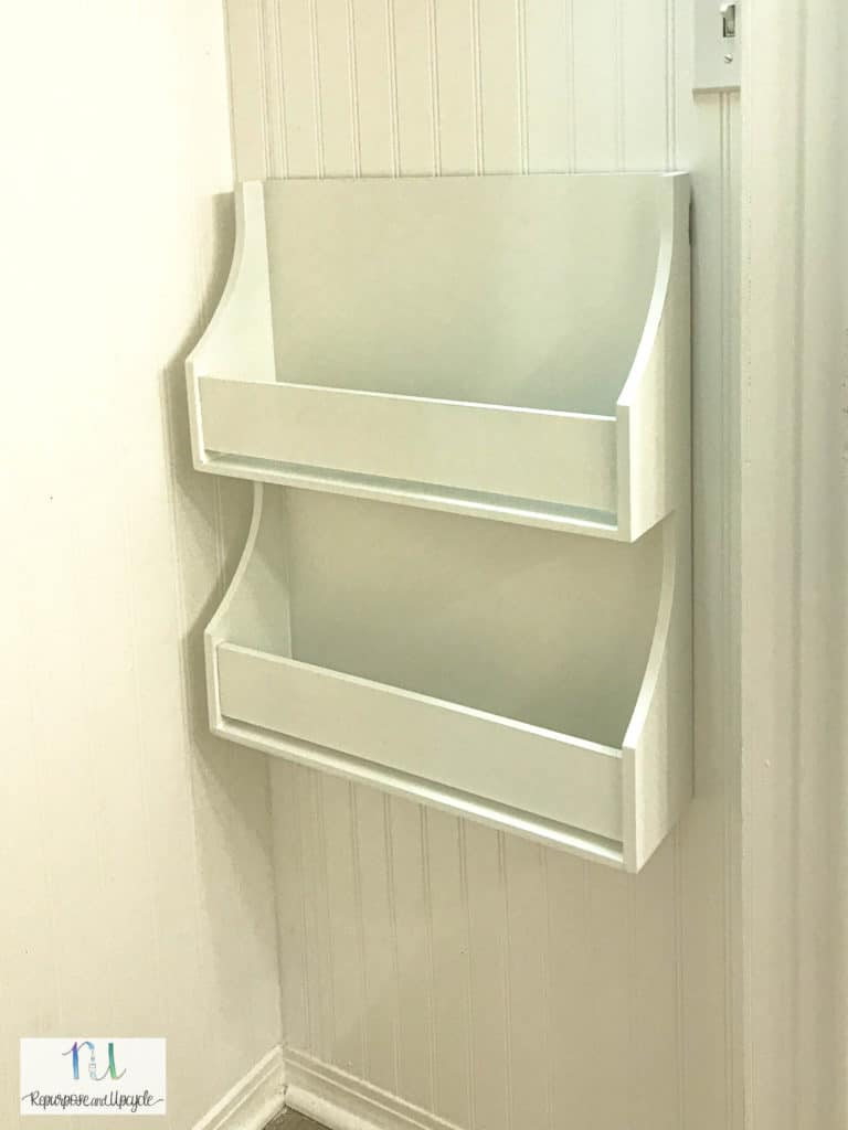 shallow shelves for a reading nook