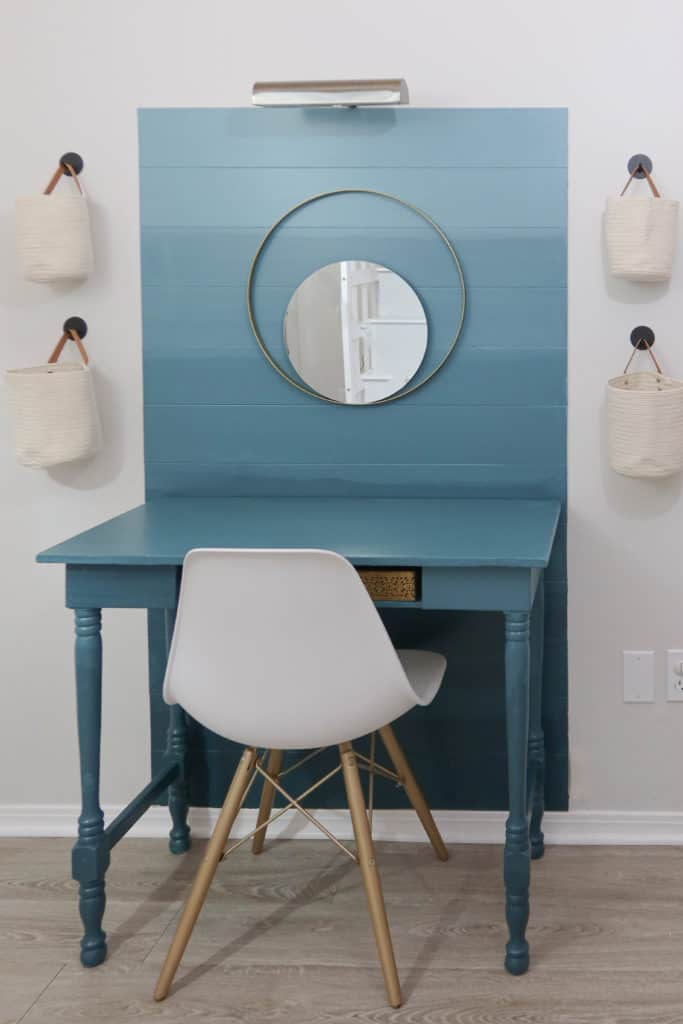 Accent wall with desk in an ombre paint effect