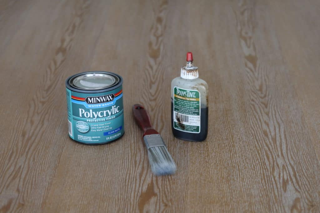 Dye and polycrylic to mix for tinted top coat