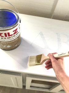 using primer on wood furniture
