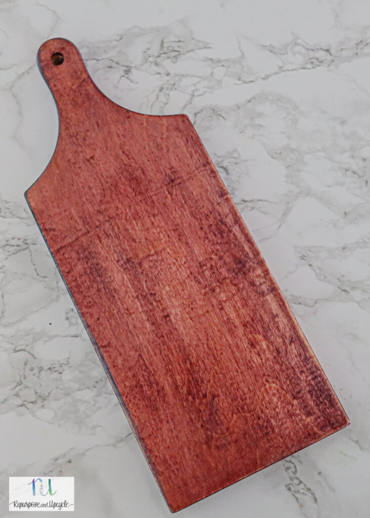 using Keda Wood Dye for cutting board makeover