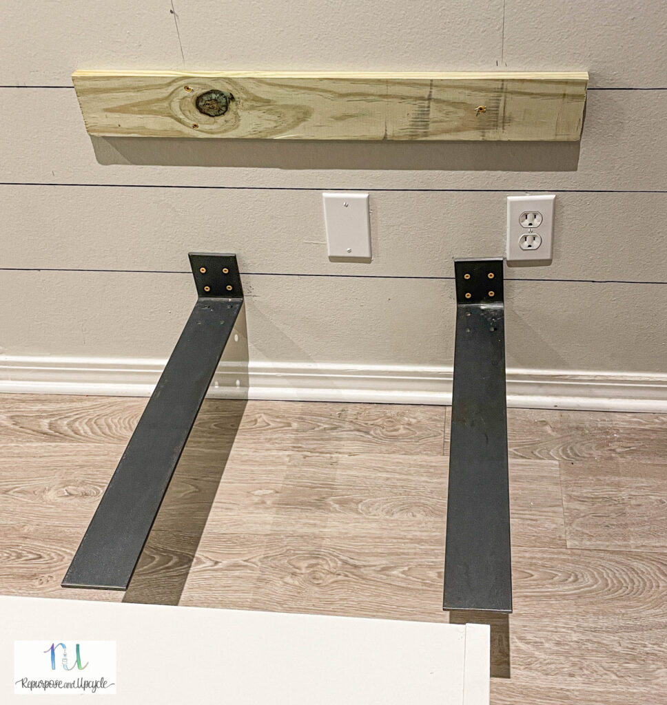 braces for upper cabinets