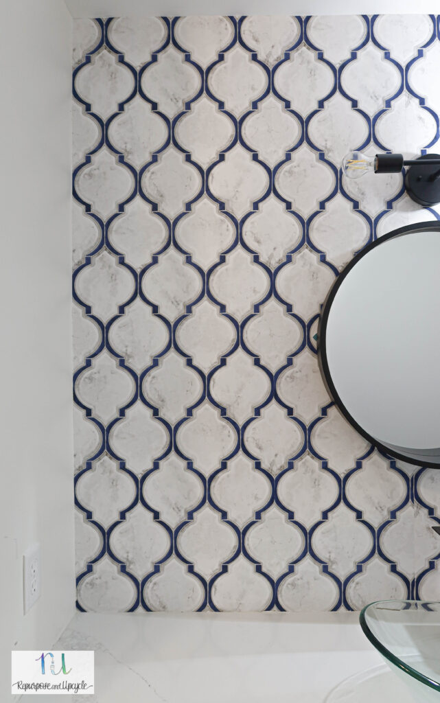 Modern Wallpaper Accent Wall in the Bathroom